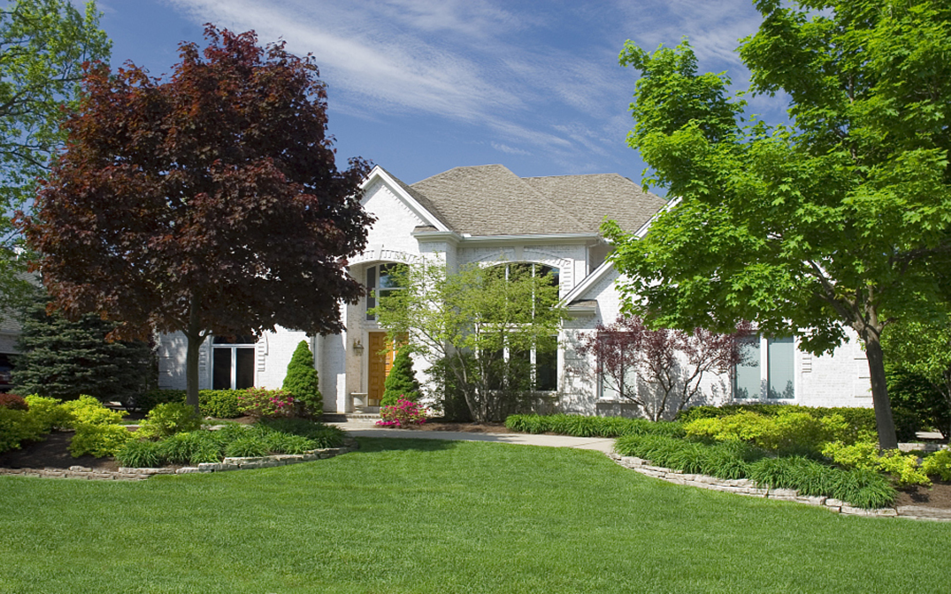 Spring tree pruning helps keep trees healthy and safe - Spring trimming orchard trees healthy ...