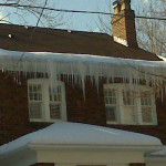Rooftop Ice Dam Removal in Toronto 1